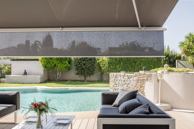 Brustor B25 store banne avec lambrequin zonnescherm met volant awning with valanc